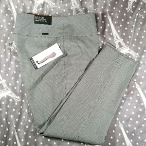 S.C. & CO 360o Tummy Control Checked Pull On Pants